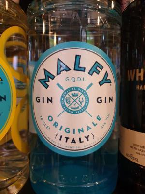 Malfy Gin aus Moncalieri im Piemont mit Zitroneninfusion.